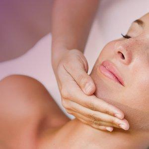 夏季美顏抗痘 專家:做好正確皮膚管理才是正道