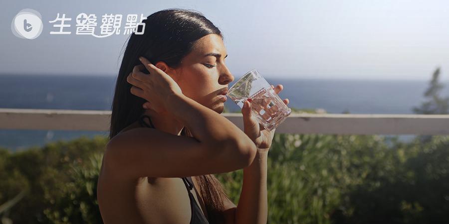 「連喝水也會胖」是真的? 這項運動比游泳更能瘦身